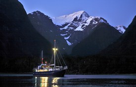 Milford Wanderer Overnight Cruises