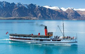 TSS Earnslaw with Remarkables mountains, Queenstown