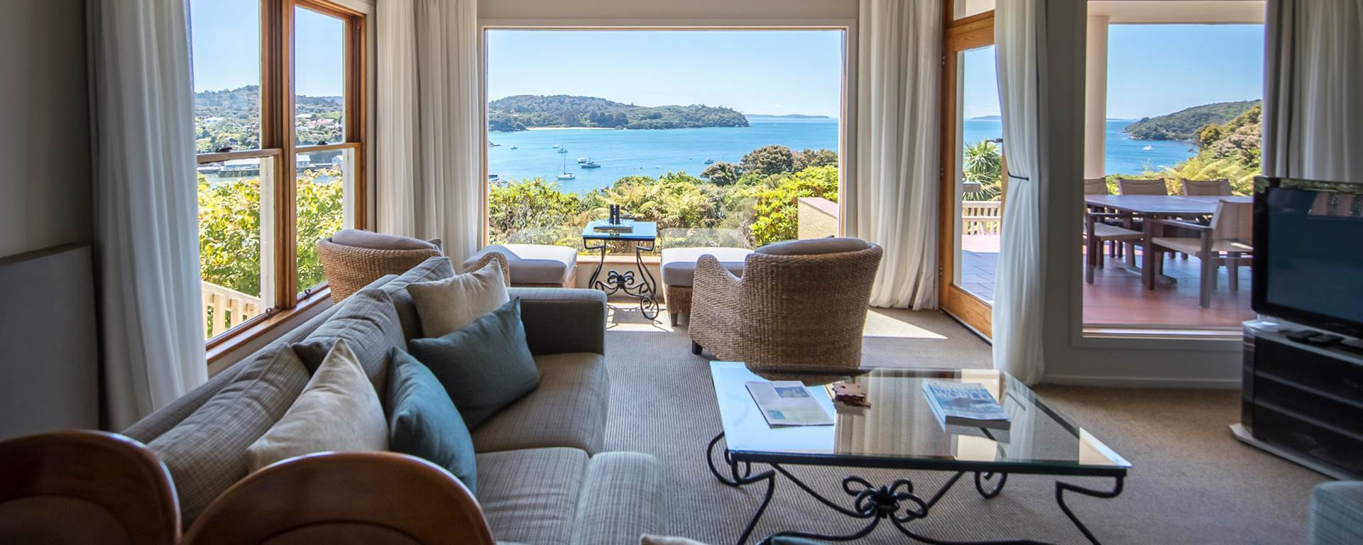 Stewart Island Lodge - lounge